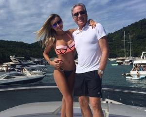 Roberto-Justus-estreia-iate-de-R-10-milhões-com-a-namorada-no-Carnaval-1