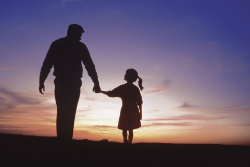 father-and-daughter-silhouette-494x329.jpg