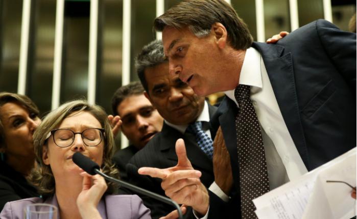 Mulheres x Bolsonaro
